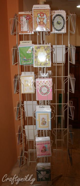 Craftynikky card rack 1