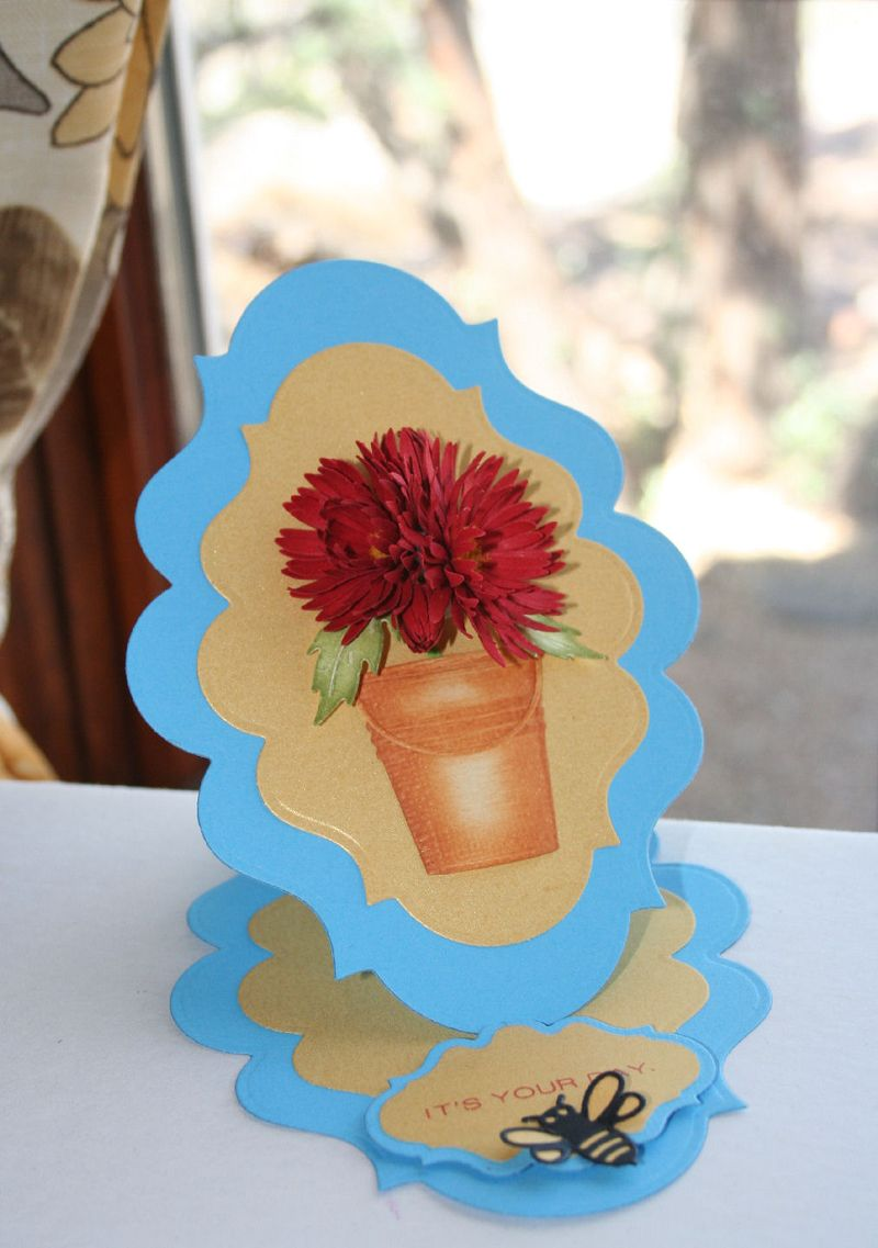 Craftynikky Chrysanthemum in bucket easel card 1