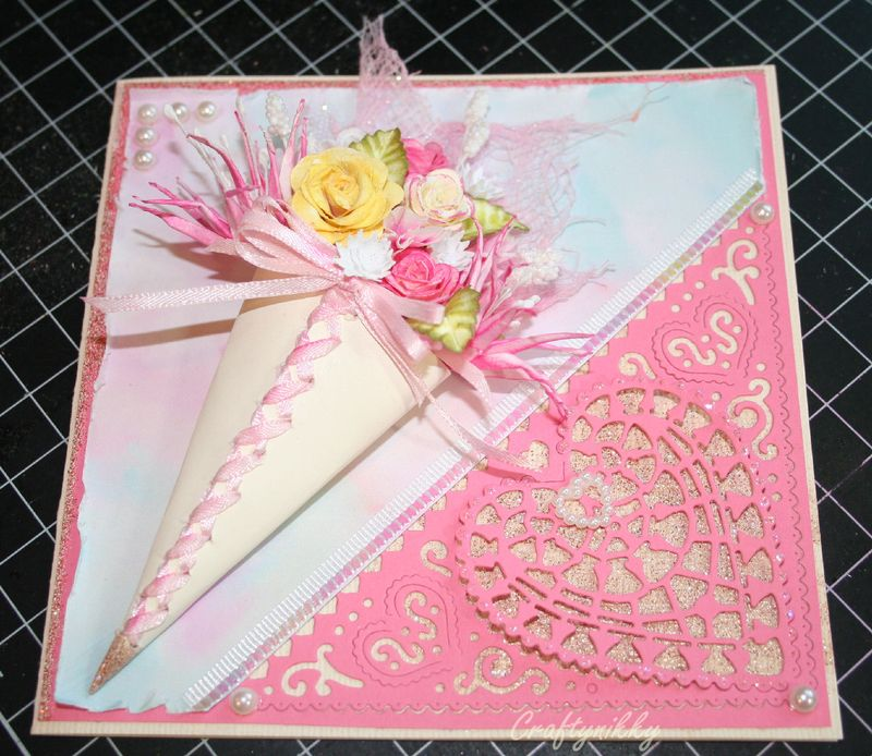 Craftynikky Flower cone card 6