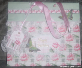 Lynne_3d_card_with_lace_and_ribbons